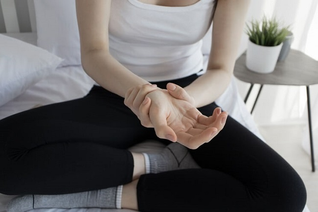 CBD interacts with our body's own cannabinoid receptors in a way that can help reduce pain and inflammation.